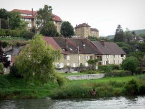 Port-Lesney - Houses and buildings of the village, gardens by the River Loue