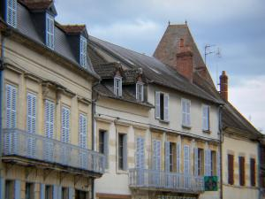Prémery - Facades of houses in the town