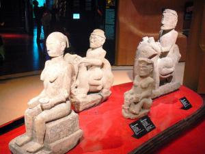 Quai Branly museum - Oceania collection: Indonesian sculptures