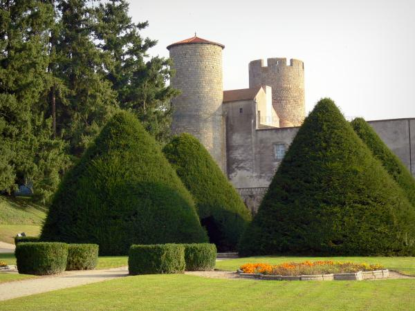 Ravel castle - Tower and keep of the royal fortress, and French-style formal garden with yew, lawns and flower bed