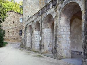 Ravel castle - Arches of the royal fortress