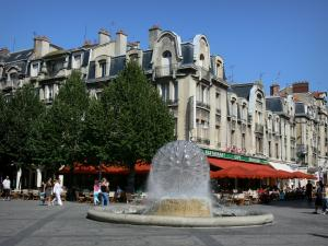 Reims Tourism Holiday Guide