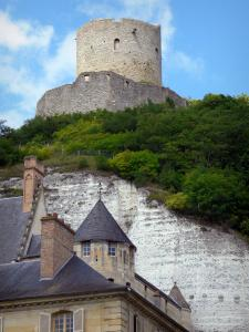 La Roche-Guyon - Castle and its perched keep