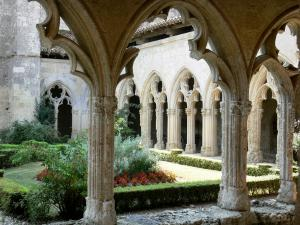 La Romieu collegiate church - Cloister of the Saint-Pierre collegiate church