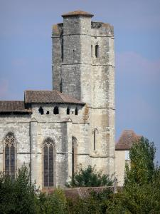 La Romieu collegiate church - Tower of the Saint-Pierre collegiate church