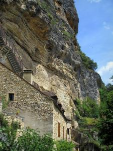 La Roque-Gageac - Cliff, stair leading to the troglodyte fort and stone house, in the Dordogne valley, in Périgord