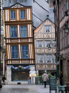 Rouen - Timber-framed houses, one tilted