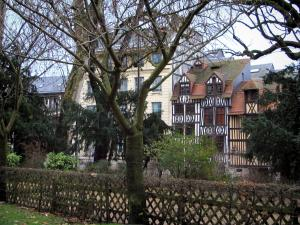 Rouen - Timber-framed houses, trees and shrubs