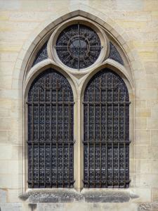 Royaumont abbey - Window of the royal abbey