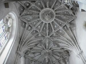 Rue - Inside of the Saint-Esprit chapel of Flamboyant Gothic style: carved hanging keystones