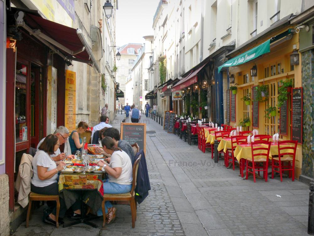 Photos - Rue Mouffetard - Tourism & Holiday Guide