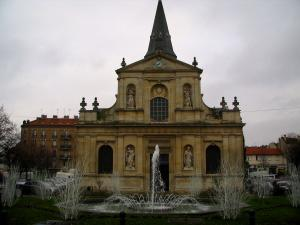 Rueil-Malmaison - Saint-Pierre-Saint-Paul church and fountains