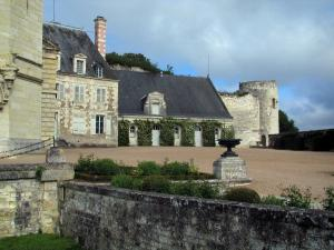 Saint-Aignan-sur-Cher - Courtyard of the Château, in the Cher valley
