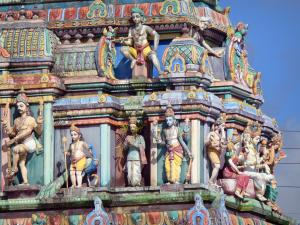 Saint-André - Polychrome sculpture of the Tamil temple of Petit Bazar