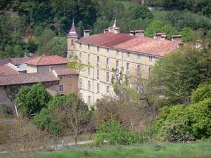 Saint-Antoine-l'Abbaye - Convent buildings and trees
