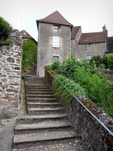 Saint-Benoît-du-Sault - Stairs and houses of the village