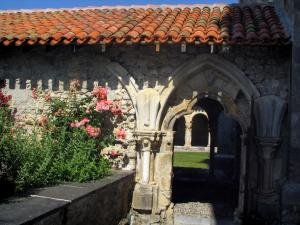 Saint-Bertrand-de-Comminges - Entrance to the cloister of the Sainte-Marie cathedral