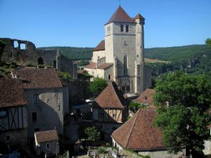 Saint-Cirq-Lapopie - Church, ruins of the castle and houses of the village, in the Lot valley, in the Quercy