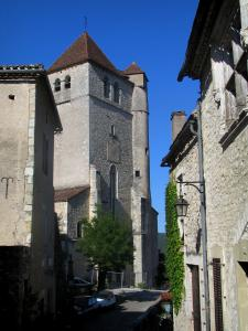 Saint-Cirq-Lapopie - Church and houses of the village, in the Lot valley, in the Quercy