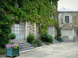 Saint denis d 39 anjou 16 images de qualit en haute d finition - Maison de jardin jura lodge smoby saint denis ...