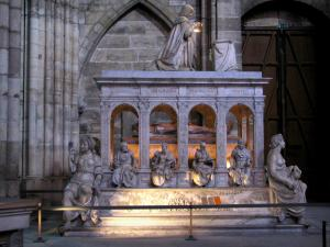 Saint-Denis basilica - Inside of the royal basilica (royal cemetery): tomb with funeral sculptures