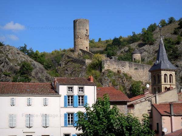 Saint-Floret - Bell tower of the Saint-Flour church, houses of the village and tower of the castle overhanging the set