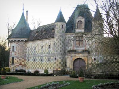 Saint-Germain-de-Livet castle