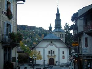 Saint-Gervais-les-Bains - Houses, shops and Saint-Gervais church (spa town)
