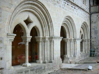 Saint-Gilbert abbey
