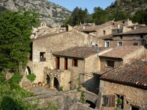 Saint-Guilhem-le-Désert - Houses of the medieval village