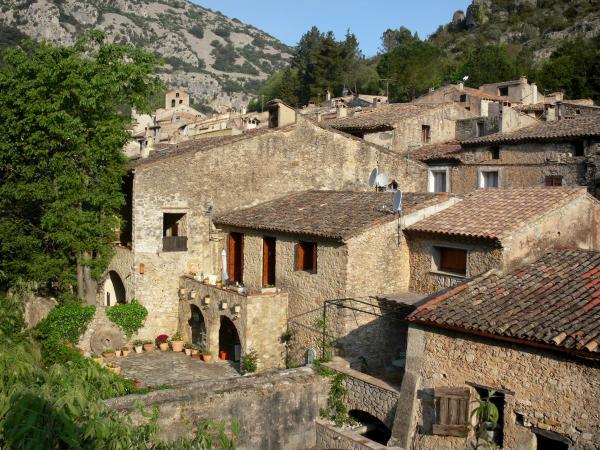Saint-Guilhem-le-Désert - Guide tourisme, vacances & week-end