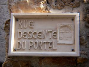 Saint-Guilhem-le-Désert - Signboard of the Descente du Portal street