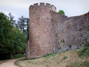 Saint-Haon-le-Châtel - Crenellated tower and ramparts of the medieval village
