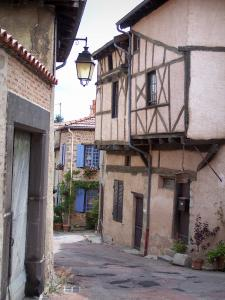 Saint-Haon-le-Châtel - Houses of the medieval village