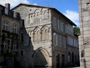 Saint-Léonard-de-Noblat - Houses in the medieval town (old town)