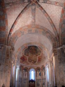 Saint-Lizier - Inside the Saint-Lizier cathedral: Romanesque paintings (frescoes) of the apse
