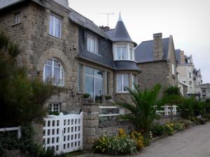Saint-Lunaire - Seaside resort of the Emerald Coast: villas