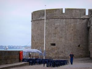 Saint-Malo - Fortification of the malouine corsair town and café terrace