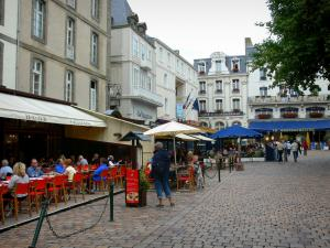 Saint-Malo - Walled town: restaurant terraces and buildings of the malouine corsair town