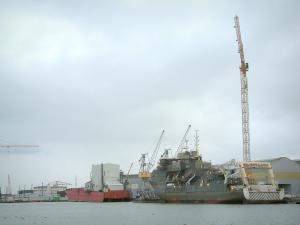 Saint-Nazaire - Port: pond and the Chantiers de l'Atlantique construction site (shipbuilding)