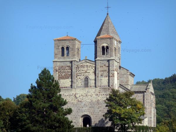 Saint-Nectaire - Saint-Nectaire Romanesque church, in the Auvergne Volcanic Regional Nature Park, in the Monts Dore mountain area