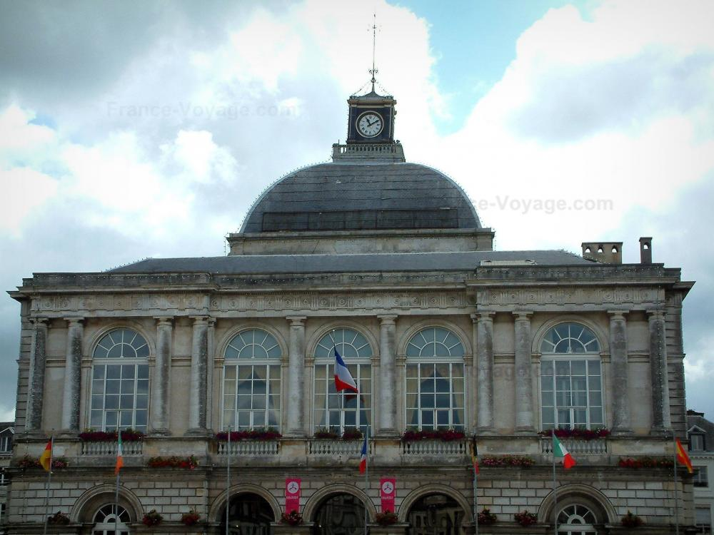 Photos saint omer et sa cath drale guide tourisme for Piscine de saint omer