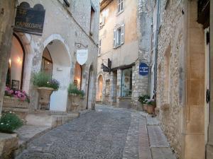 Saint paul de vence 13 immagini di qualit in alta definizione - Office du tourisme gordes ...