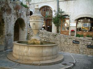 Saint-Paul-de-Vence - Fountain and its washhouse on a small square