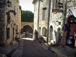 Saint-Paul-de-Vence - Narrow street in the village lined with shops and its hall