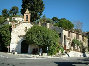Saint-Paul-de-Vence - A chapel and stone house outside the old village