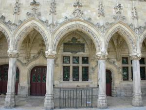 Saint-Quentin - Carved facade of the Flamboyant Gothic-style Town Hall