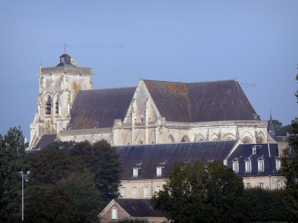 Photos - Saint-Riquier - Tourism & Holiday Guide