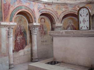 Saint-Savin abbey - Inside of the abbey church: murals (frescoes) and carved pillars
