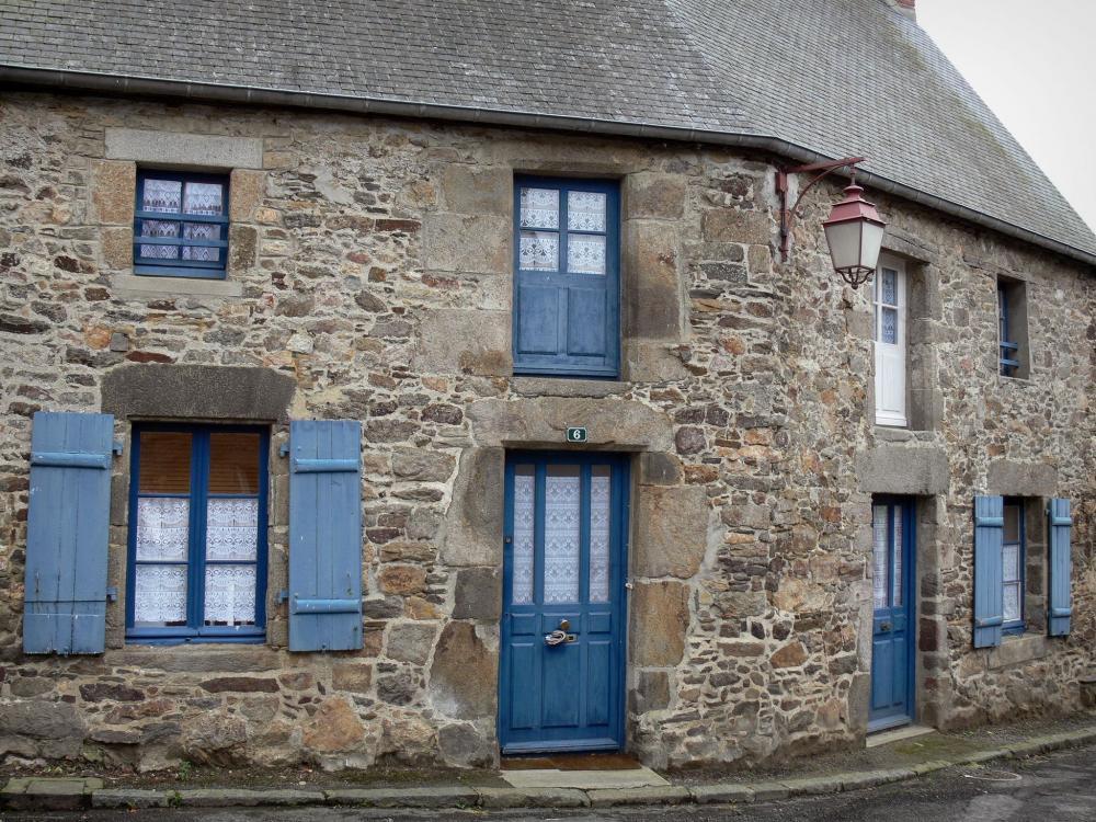 Photos saint suliac guide tourisme vacances for Maison saint pierre rodez